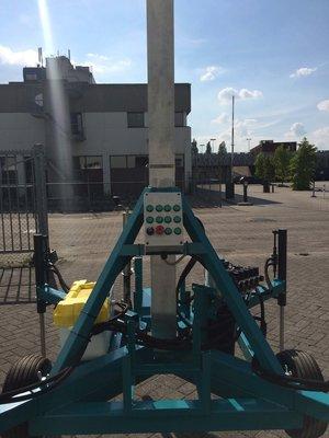 Hydraulische telescopische mast inclusief steunpoten