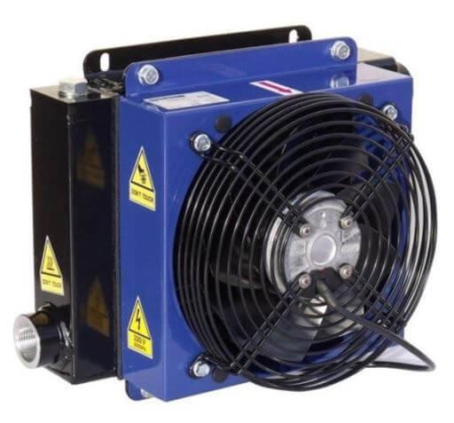 """Afbeelding van Oesse hydrauliek oliekoeler 18 kW 24V, 1 1/4"""" BSP"""
